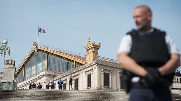 프랑스·독일, '테러 우려' 국경통제 연장