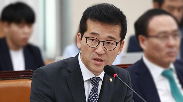 """국민의당, 예산안 고리로 홍종학 사퇴 압박…""""임명시 부정적 영향"""""""