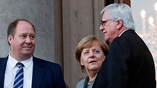 '사면초가' 메르켈, 연정협상 난관에 당내 총선책임론까지