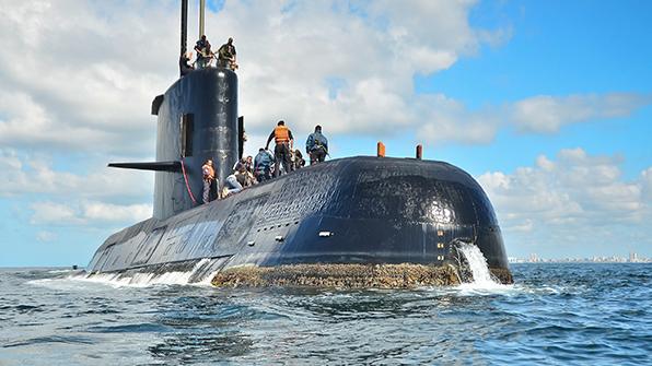 아르헨티나 잠수함 이틀째 교신 끊겨…해군 수색 돌입