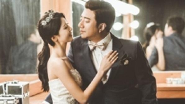[K스타] 배기성, 띠동갑 연하와 결혼식 '춤추며 신랑 입장'