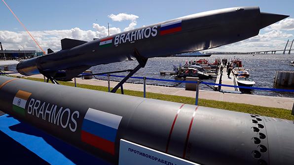인도, 첨단 순항 미사일 '브라모스' 전투기 발사 시험 성공