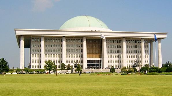 국회의원 8급 비서 증원안·변호사 시험법 개정안 국회 통과