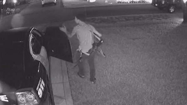 [고현장] 경찰차도 털렸다…방탄조끼 훔쳐 도주