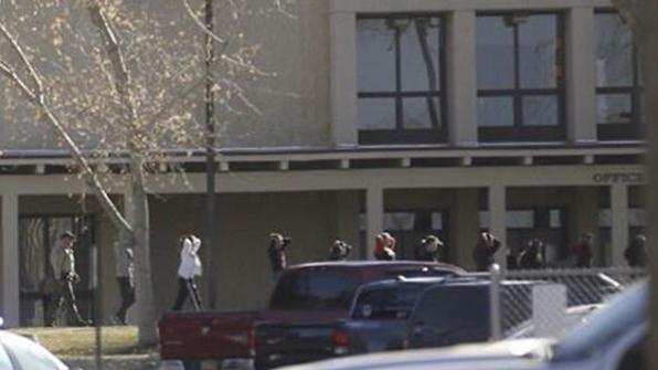 美 뉴멕시코주 고등학교서 총격…학생 2명 사망·10여명 부상