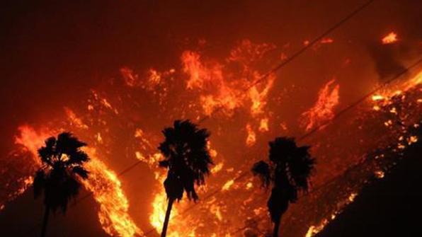 美 캘리포니아 산불, 벤추라 인근서 첫 사망자 발견