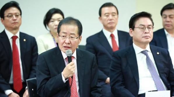 한국당 초선의원, 원내대표 경선 후보 간담회 개최