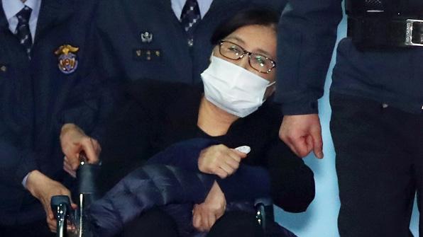"""25년 구형에 '최순실 나이' 관심…""""누리꾼, 실제로 무기징역?"""""""