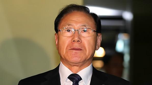 'MB 집사' 김백준 검찰 출석…'국정원 특활비 상납' 조사