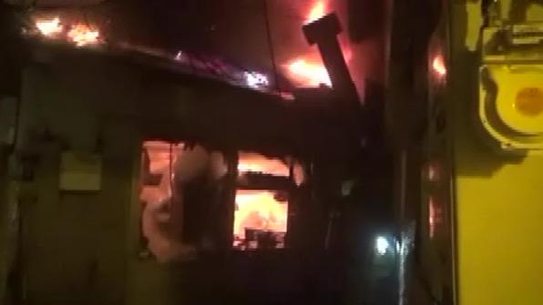 서울 청량리시장서 화재…점포 18개 태워