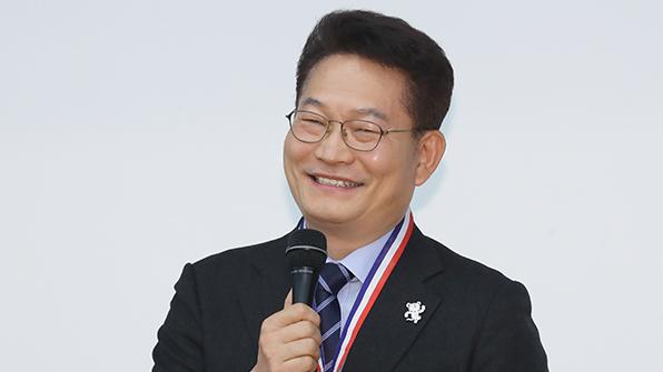 """송영길 """"일본, 위안부피해 이해해야""""…일 의원과 격돌"""