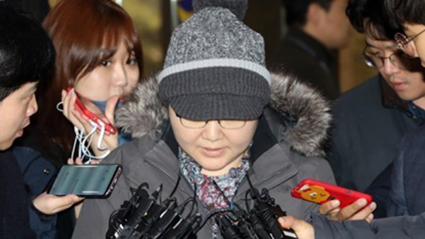 """'이대목동병원' 주치의 피의자 소환…""""죄송하다"""""""