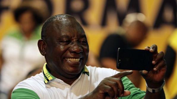 '주마 퇴진' 남아공 새 대통령에 라마포사 선출
