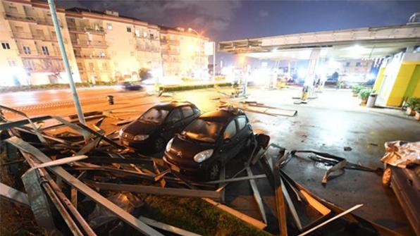 이탈리아 남부, 토네이도 강타…8명 부상