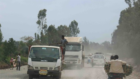 에티오피아서 버스 절벽 추락사고로 최소 38명 숨져