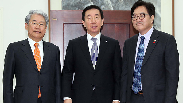 여야 3당 원내대표, '개헌안·GM 국조' 논의…합의 불발