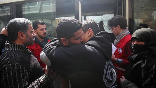 시리아 東구타 반군지역서 대규모 대피 시작