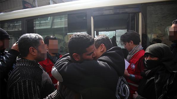 """""""안녕, 동구타""""…시리아 '생지옥' 반군지역서 이틀간 170명 대피"""