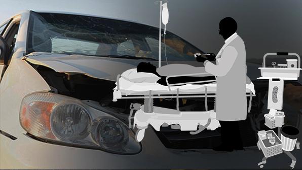 화물차에 받힌 승용차 중앙선 넘어 충돌…2명 사상