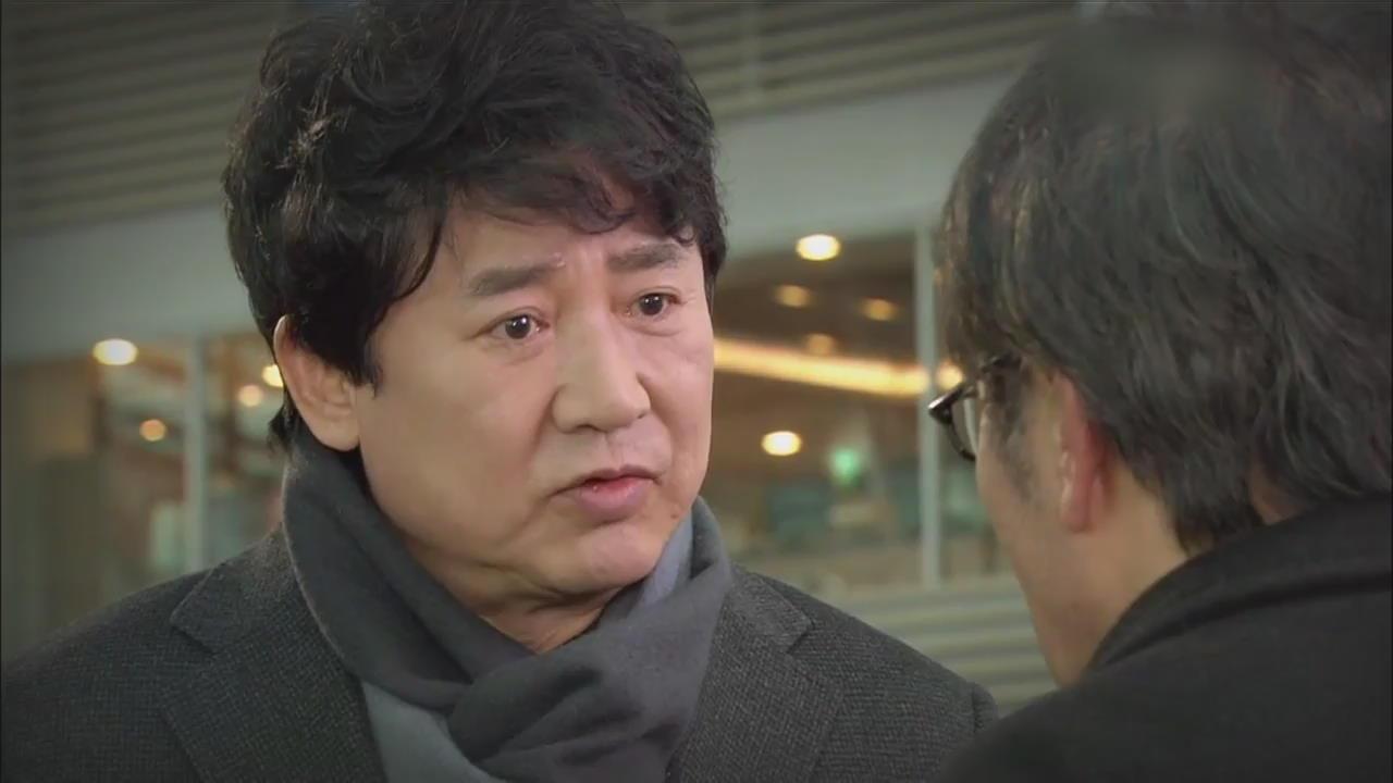 """[연예수첩] 배우 이영하 성추행 의혹…""""성폭행 당할 뻔 했다"""" 폭로"""