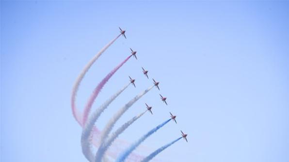 영국 앵글시섬 공군기지서 곡예비행 전투기 추락