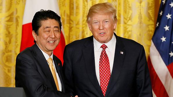 """아베 """"북한에 최대한 압력 확인할 것""""…미일 정상회담 위해 출국"""