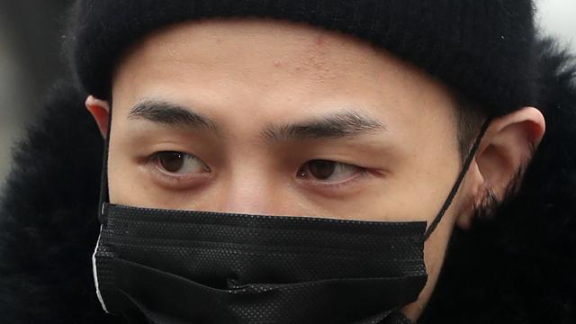 군 복무 중인 지드래곤, 발목 수술 위해 '병원 입원'