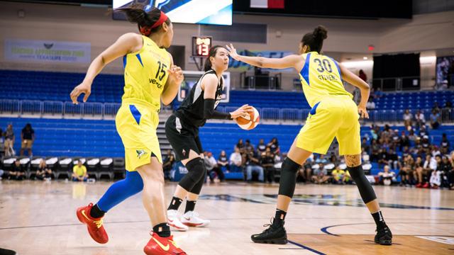 WNBA 박지수, 17분 뛰고 6득점…팀은 2연승
