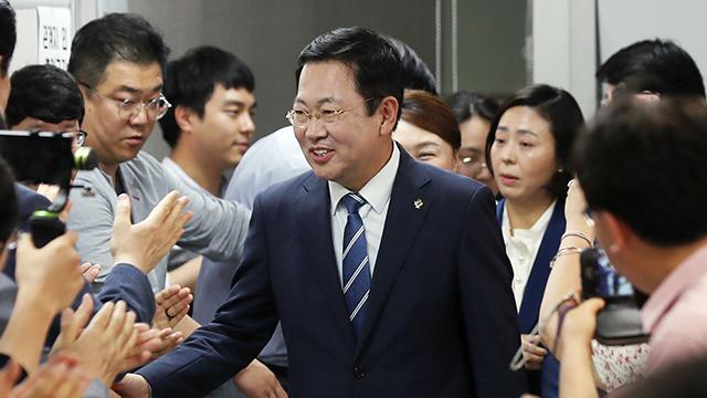인천지역도 시장·기초단체장·광역의원 등 '민주당 싹쓸이'