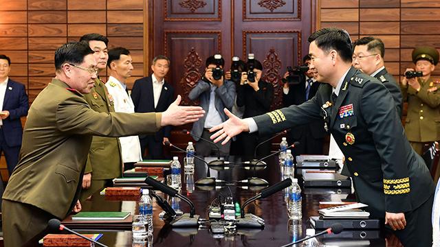 남북, 동·서해지구 군 통신선 완전 복구 합의