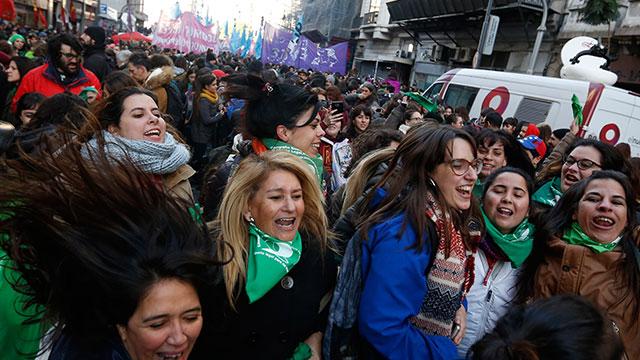 '교황 모국' 아르헨티나 하원, 임신 14주내 선택적 낙태 허용 통과