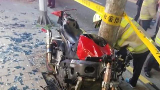 서울 시흥동서 오토바이가 카페 돌진…행인 등 2명 부상