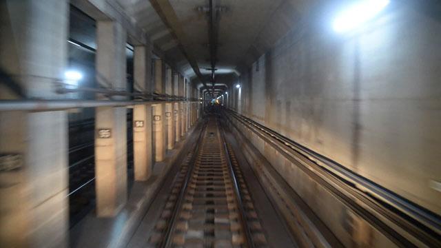 [취재후] 달리는 지하철 위에 조는 기관사?…또 다른 '지옥철'의 세계