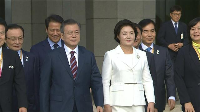 """문 대통령 """"이번 방북으로 북미대화 재개되면 큰 의미"""""""