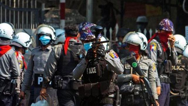 """정부 """"미얀마 민간인 사상자 발생 심각한 우려…폭력진압 규탄"""""""