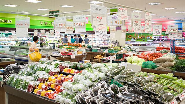 2월 소비자물가 1.1% 상승…농축수산물 16.2%↑