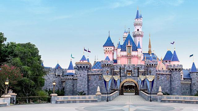 디즈니랜드 등 미 캘리포니아 놀이공원 1년 만에 재개장