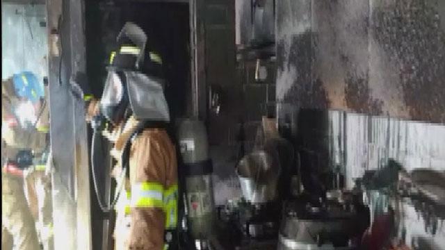 다세대 주택서 불…8명 대피