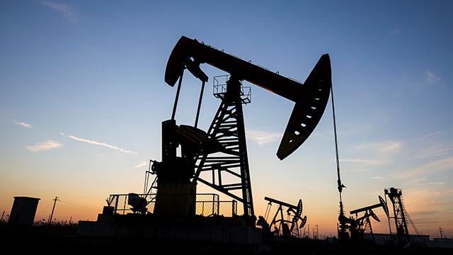 美 원유 재고 5주 연속 감소에 0.3% 상승