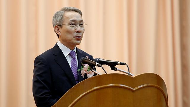 신임 검찰수사심의위원장에 강일원 전 헌법재판관 위촉