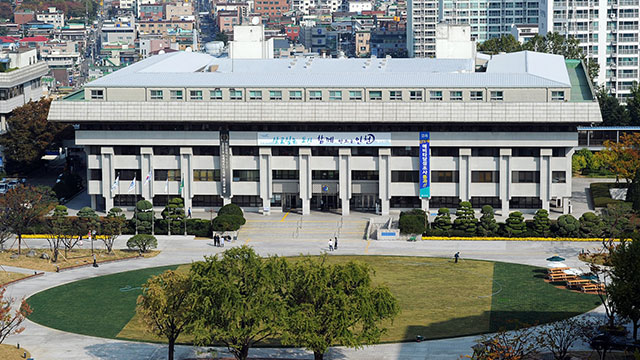'인천 지하도상가 재임대 연장' 조례 통과 논란