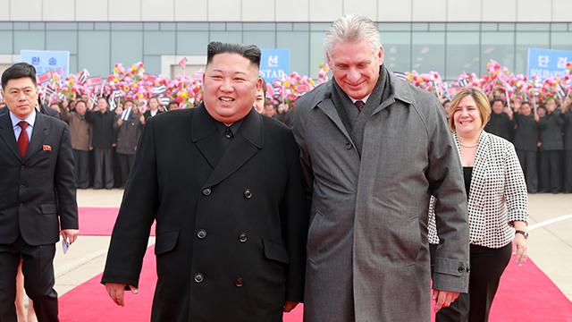 """북한, 라울 카스트로 방북 55주년 기념…""""제재·봉쇄 짓부숴야"""""""